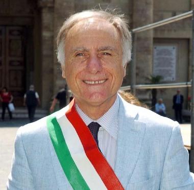 Il sindaco Mario Pupillo
